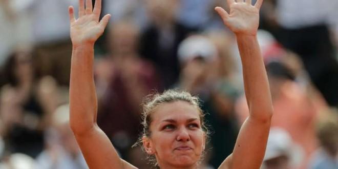 © Fournis par AFP La Roumaine Simona Halep remporte Roland-Garros en battant en finale l'Américaine Sloane Stephens, le 9 juin 2018