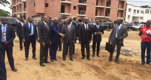 Visite du président Alassane Ouatarra sur les lieux des inondations à Abidjan. © Photo: Frédéric Garat / RFI