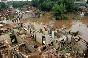 Inondation-meurtriere-en-Indonesie